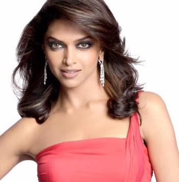 Deepika Padukone in tight transparent saree belly visible pics