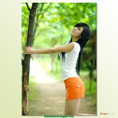 Hwang Mi Hee, Pose di Alam Terbuka Bikin Sejuk Mata