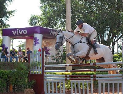 Belos saltos abrem a I Copa Vivo de Hipismo no Centro Hípico Guega