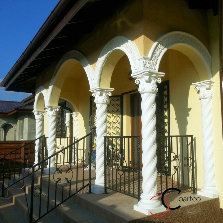 Coloane Spiralate Brancovenesti din Polistiren, montate pe terasa casa Balotesti
