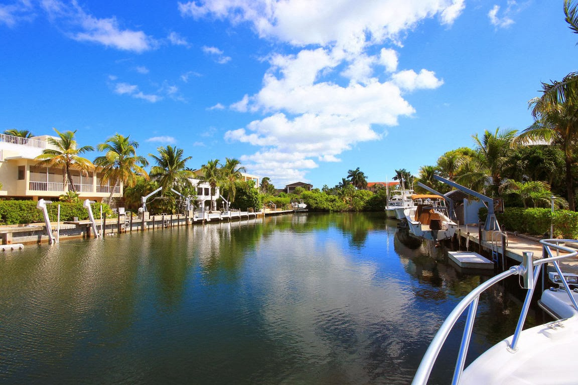 Real estate in the florida keys venetian shores canal for Venetian shores