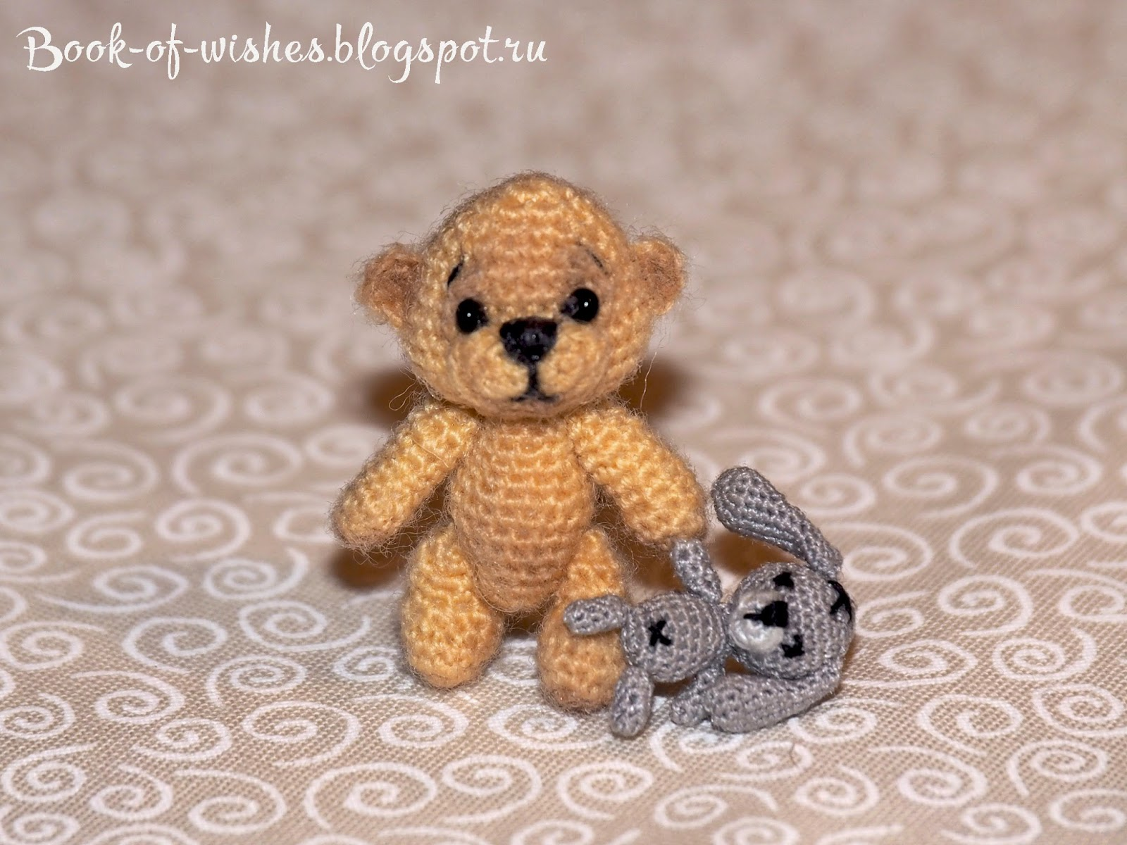 micro crochet teddy