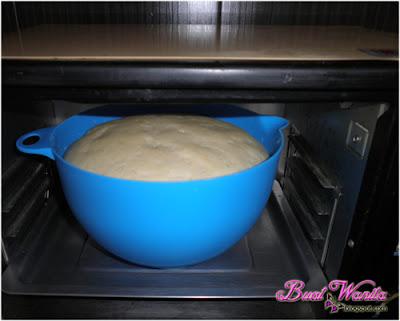 Cara Kembangkan Doh 30 Minit Sahaja Guna Oven. Teknik kembangkan doh roti pau menggunakan oven. Tips kembangkan doh roti pau dalam masa singkat.