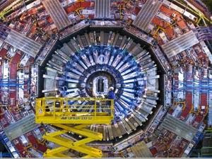 Peneliti klaim temukan cara buat mesin waktu