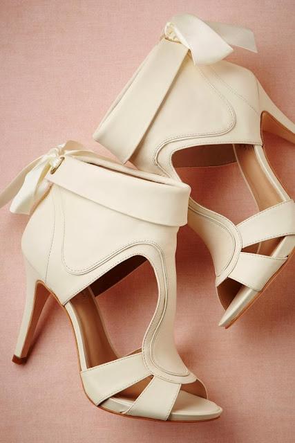 Cream Color Heel Shoe, Street Style