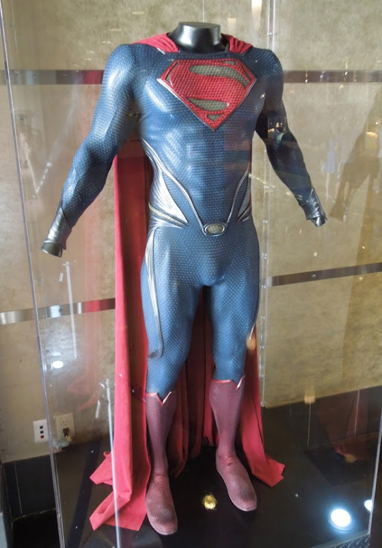 Henry Cavill Superman costume Man of Steel