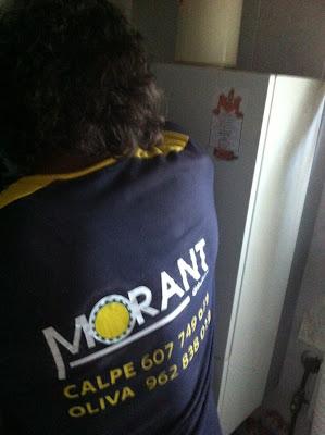 Montaje+calentador+de+agua Gracias a Juan ahorramos más de 1.000 € al año con nuestra placa solar