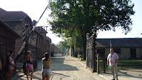 """vstupní brána """"Arbeit macht frei"""""""