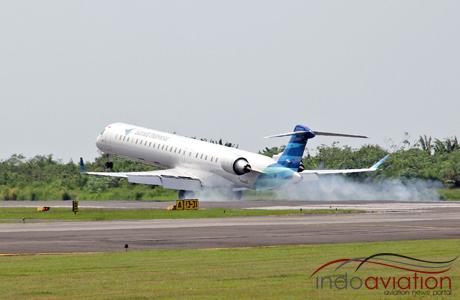 Garuda Indonesia CRJ1000