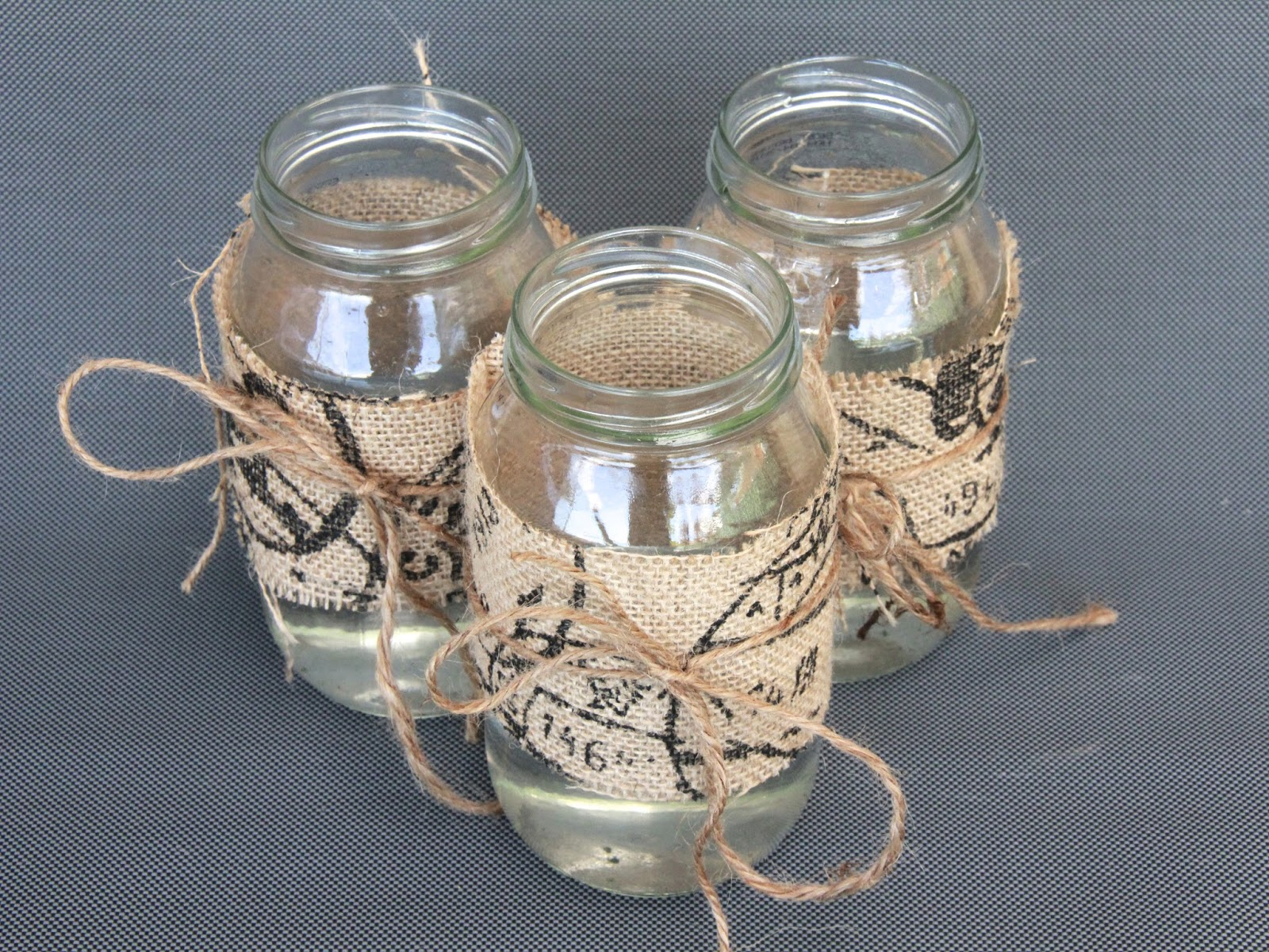 Diy centrepiece ideas glass jars decorated with burlap