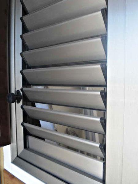 Carpinteria lozano hierro y aluminio for Ventanales mallorquinas