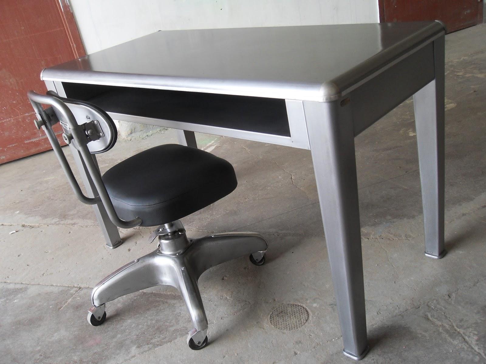 pression Studio Small Vintage Desk Set