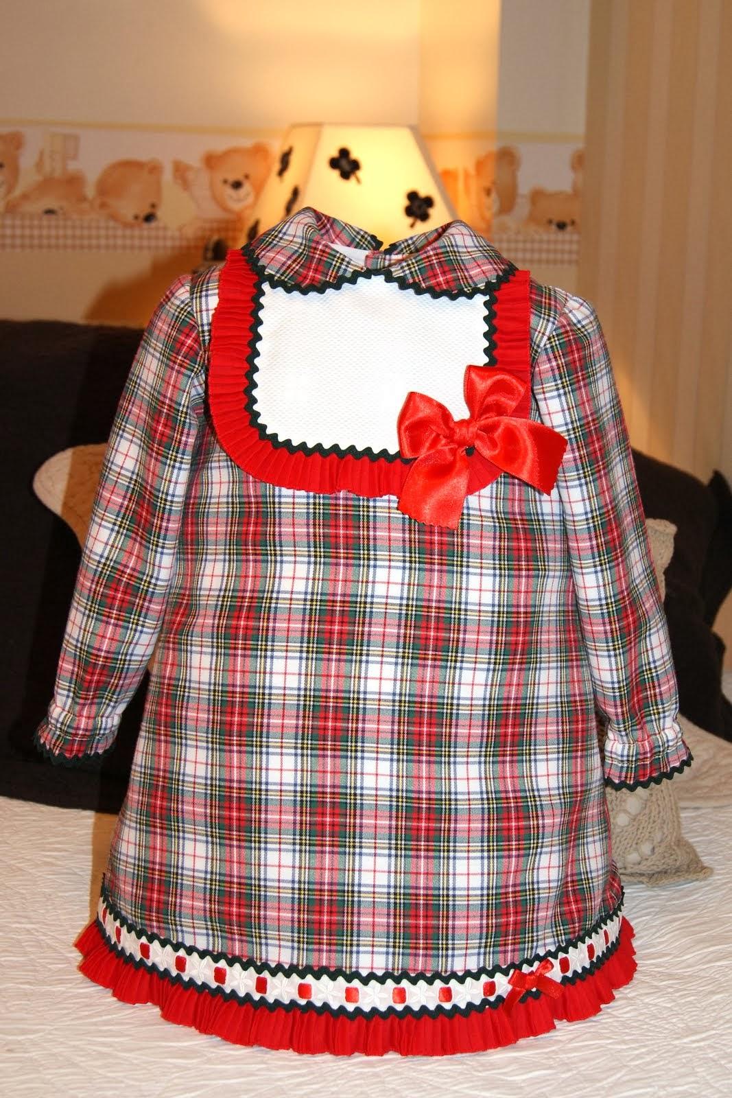 Vestido cuadros escoceses rojos