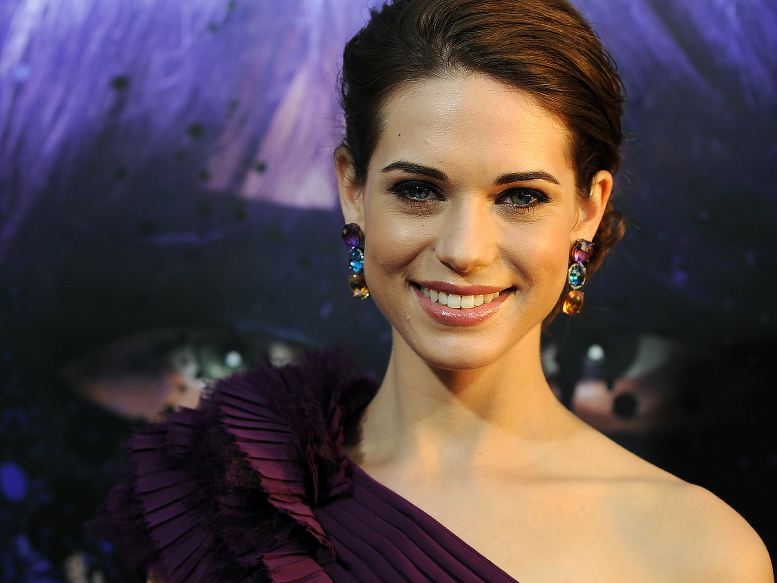 like every body lyndsy fonseca profile and pictures 2012