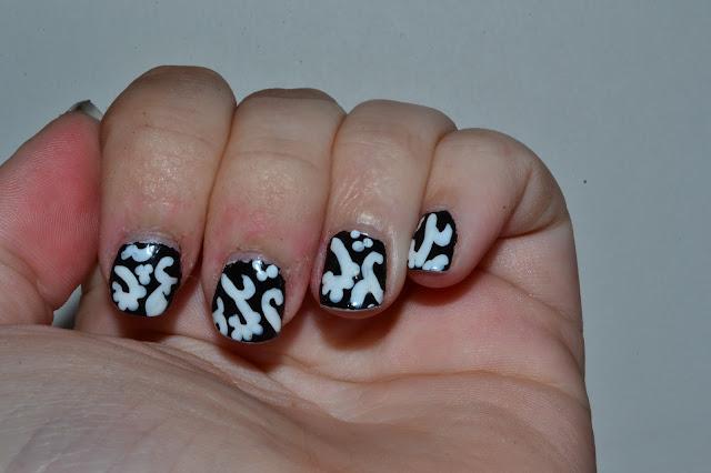 Svart och vitt Nail Art av Elins Naglar