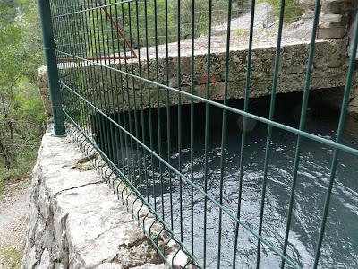 ヴィス峡谷 gorges de la Vis サン・ギエムの道 水路