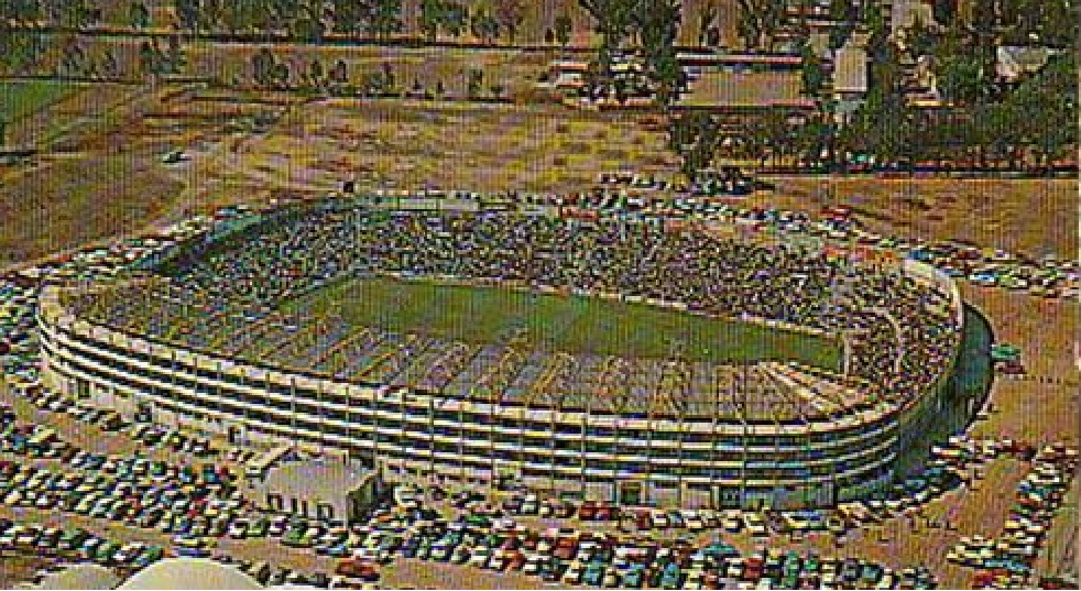 Fotos Los estadios de fútbol más raros del mundo Galería  - Imagenes De Estadios De Futbol