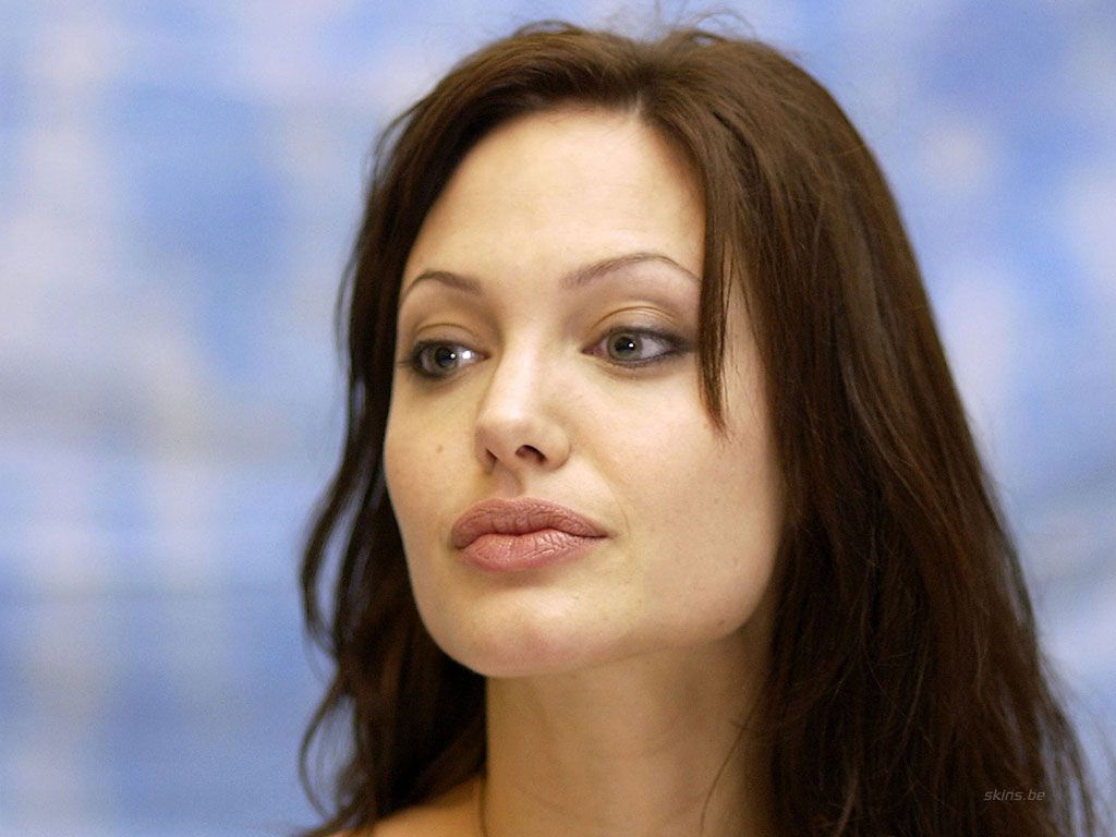 angelina jolie father