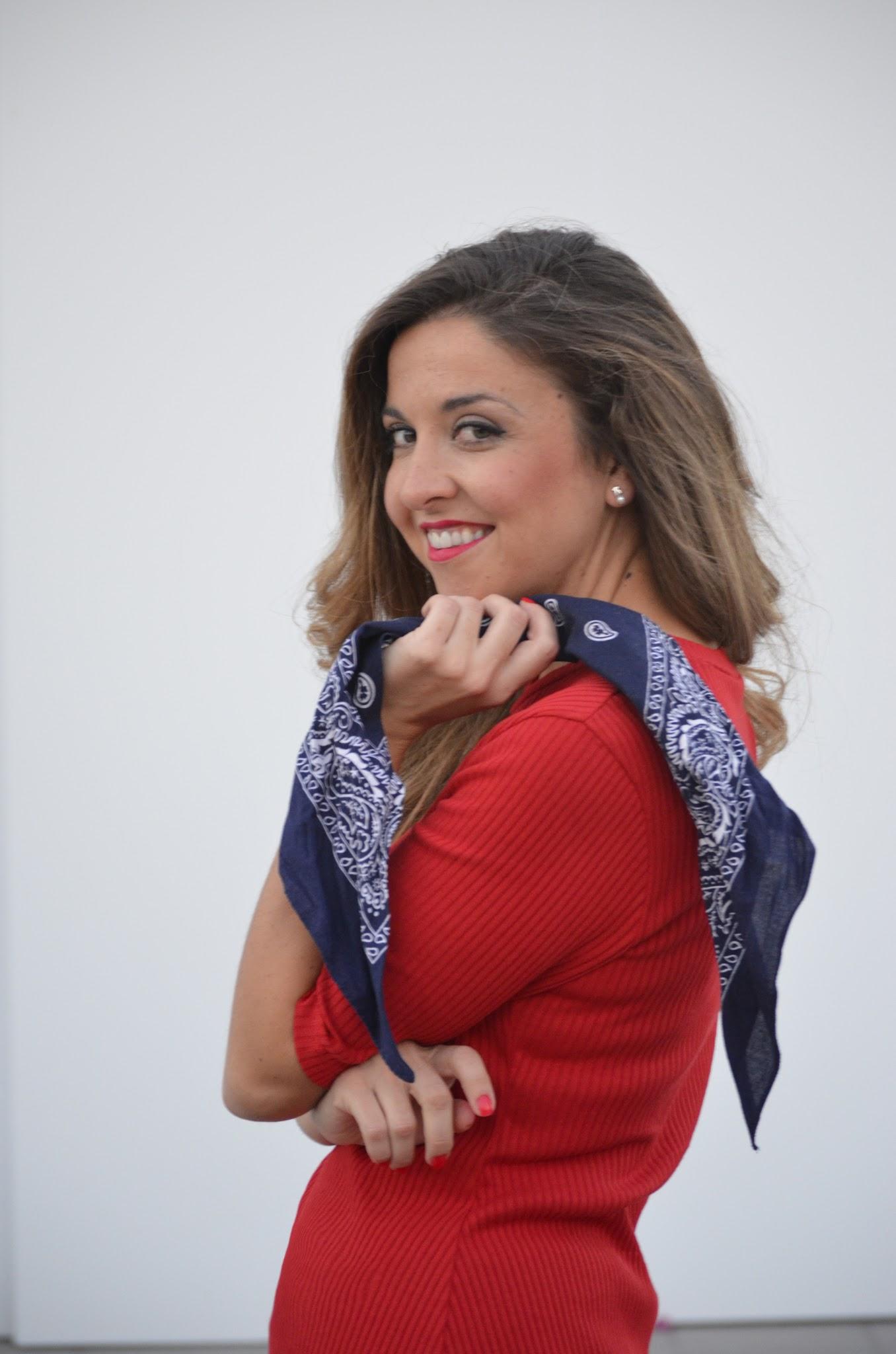complemento de moda pañuelo al cuello