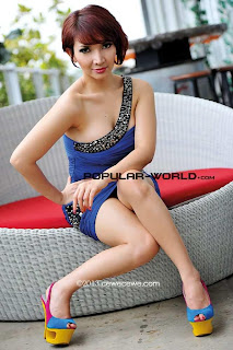 hot Roro Fitria for Popular World Magazine, January 2013 (Part 1)