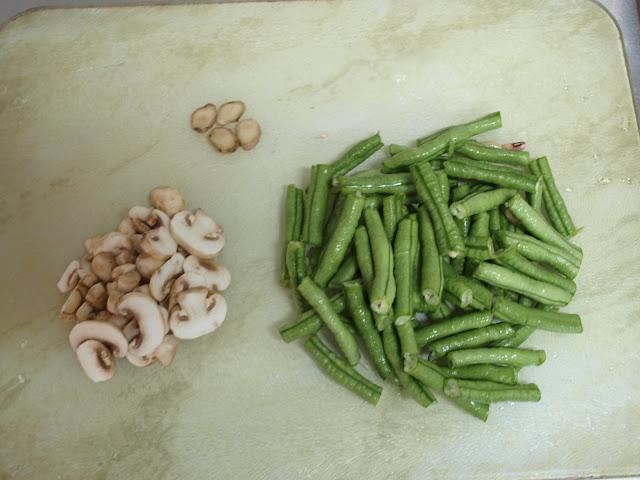 麻油炒洋菇長豆 食材