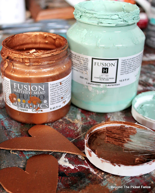 fusion mineral paint, chalk paint, copper paint, matthew mead, http://bec4-beyondthepicketfence.blogspot.com/2016/01/how-to-make-centerpiece.html