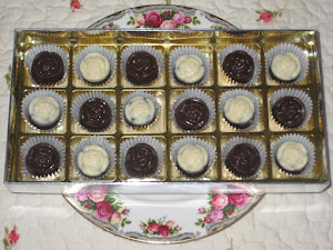 Choc Gift- 18 pcs chocs + cavity box