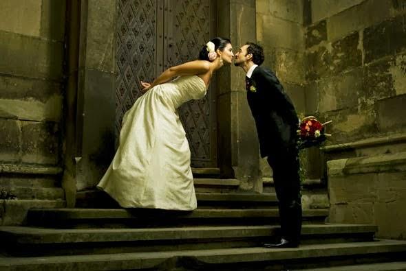 ilginç ve yaratıcı gelin-damat, evlilik, gelinlik, dış mekan fotoğraf çekimleri
