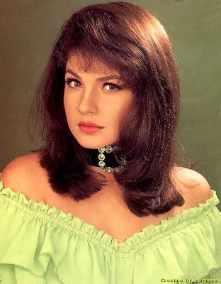 Pooja Bhatt sexy picture