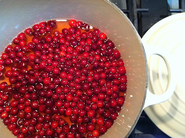 cranberry molasses and a giveaway: put 'em up! fruit by sherri brooks vinton