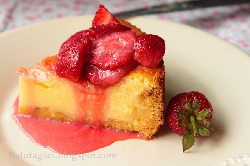 vanilyalı ve çilekli cheesecake tarifi
