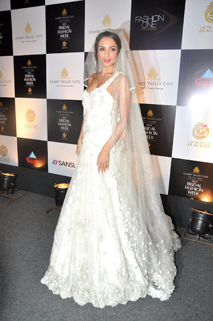 Malaika Arora walks the ramp at Aamby Valley