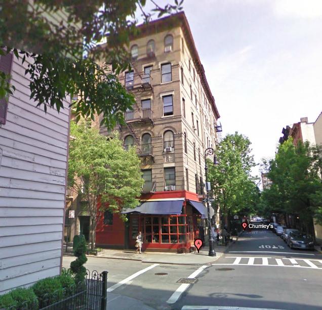 friends la s rie autrement l 39 appartement de monica new york. Black Bedroom Furniture Sets. Home Design Ideas