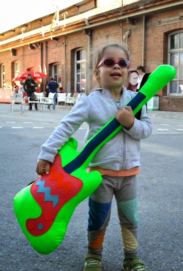 The Lazy Jellyfish guitar at El Día Minimúsica 2014 Barcelona