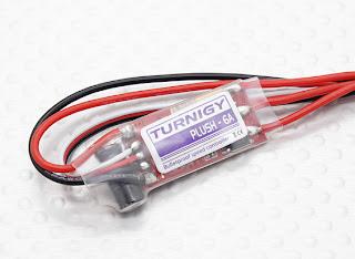 Los variadores: Importante para controlar la velocidad de los motores. En este caso los Turnigy plush 6A , pero mejor los de 10A para permitir usar lipos 3S es decir 11.8 V (3.6 + 3.6 + 3.6 ).