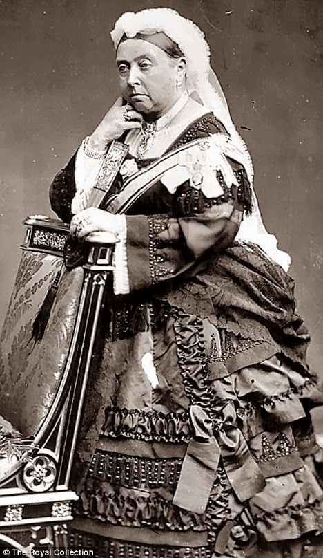 Queen Victoria, Queen of England, senior, old, older, Queen Victoria in her later years, portrait, posing, monarchy