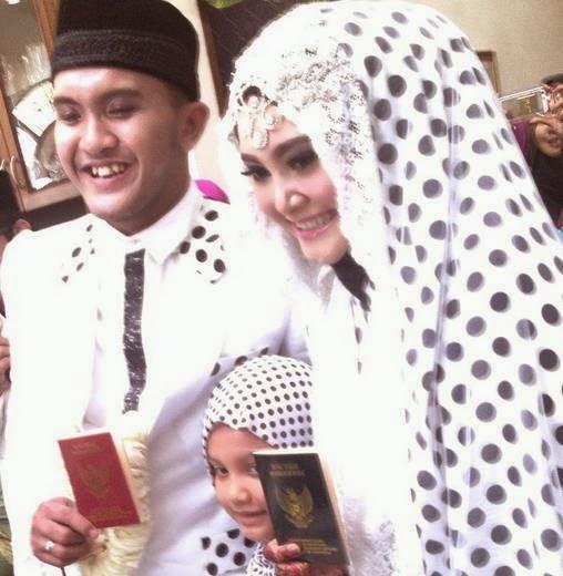 Foto Pernikahan Cesar dan Indadari 2