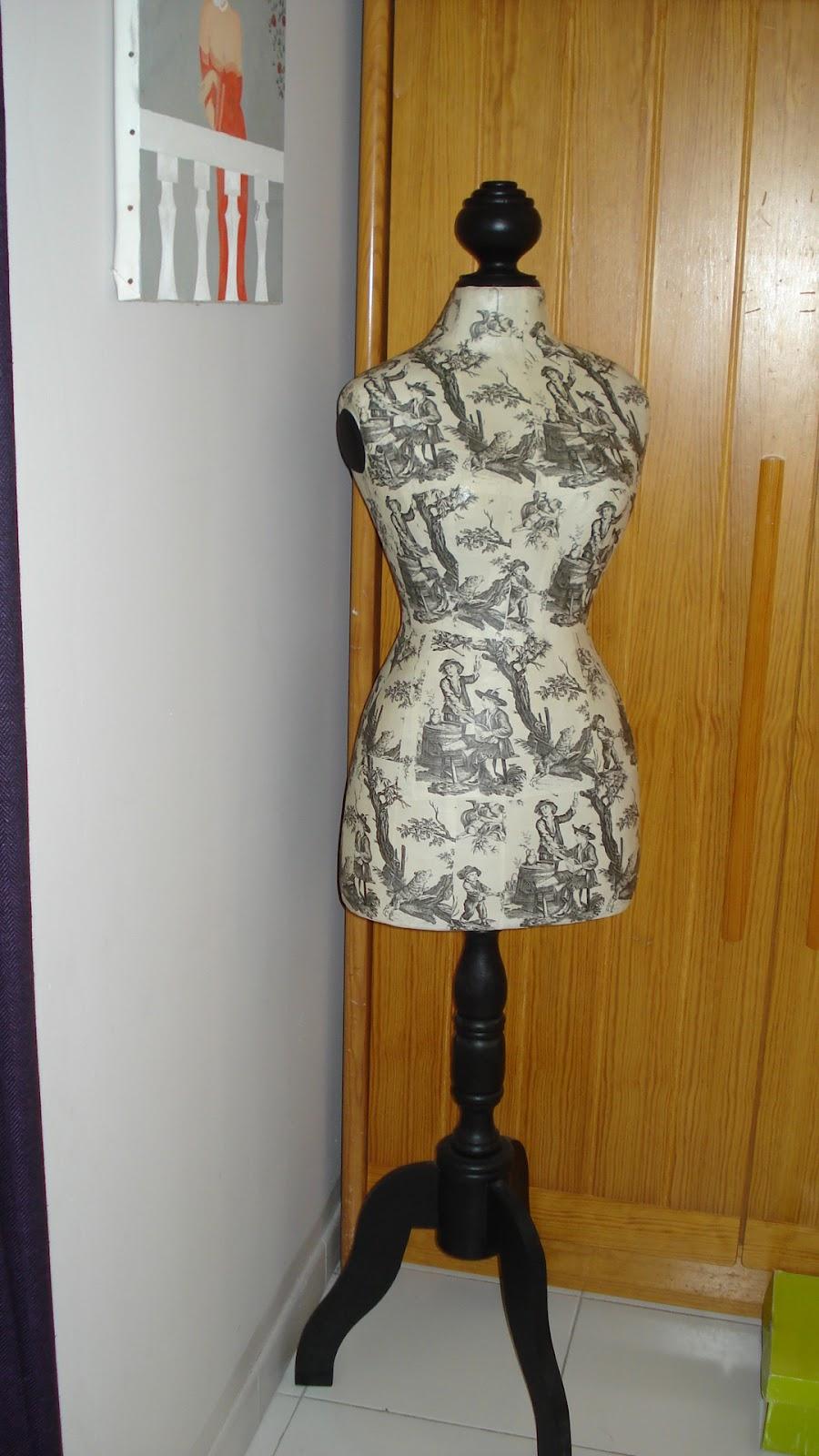 Nini vide sa maison vendu mannequin d co ou couture for Mannequin de couture deco