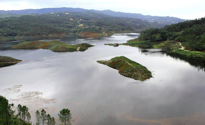 Rodo com a barragem Cheia