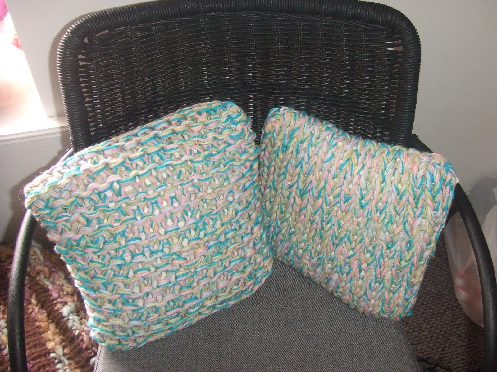 Crafting With Mel: Extreme Knitted Cushion Kit