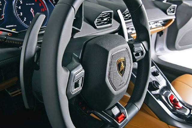 Lamborghini Huracan - volante