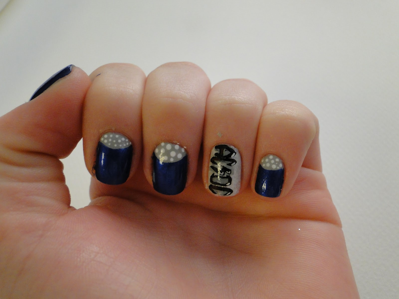 WeeklyWackyNails: Rock\'n\'Blue Nail Art