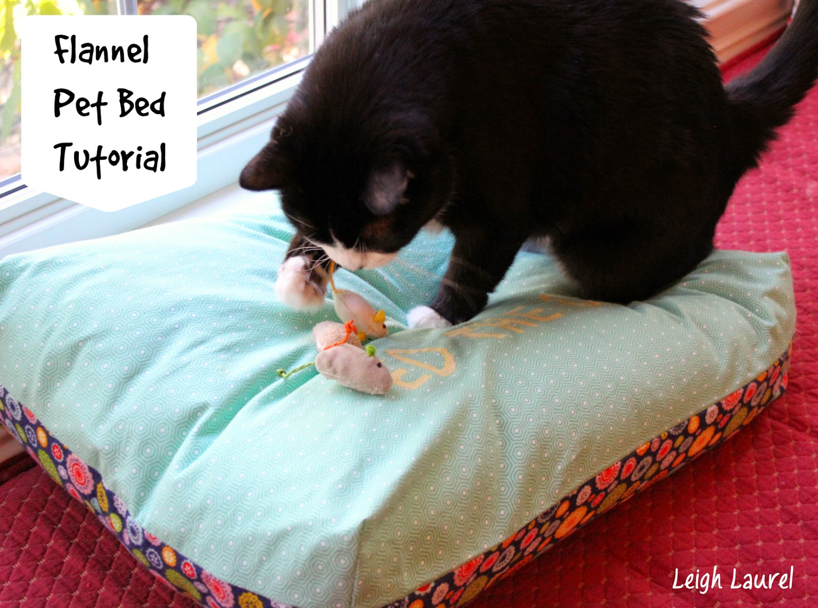 http://www.leighlaurelstudios.com/my-blog/2014/10/flannel-pet-bed.html