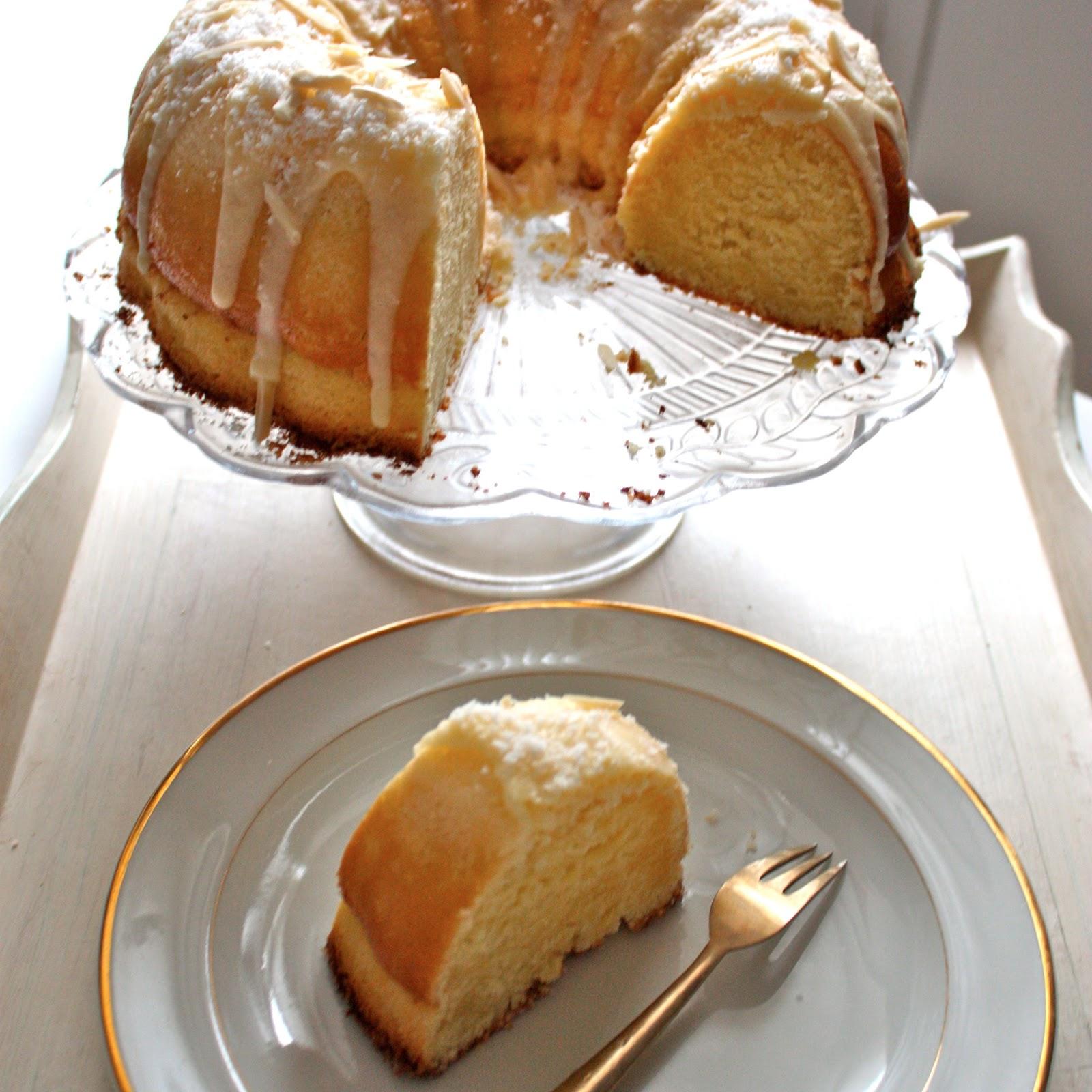 lion's nest: Louisiana Crunch Cake