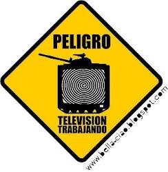 Perigo! Televisão trabalhando (manipulando).