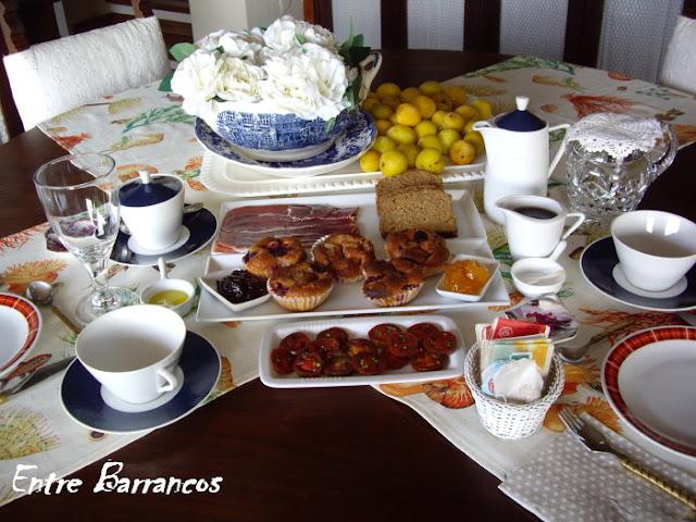 entre barrancos cocina mesa desayuno