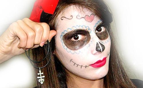 Monika sanchez de guapa al instante maquillada de catrina