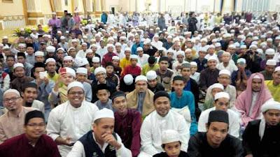 Gambar Kuliyyah Ustaz Azhar Di Istana Negeri Kubang Kerian Bersama Sultan Kelantan