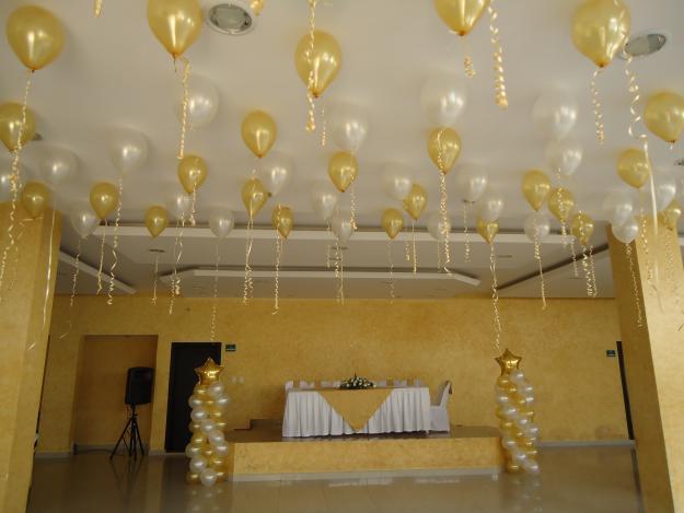 Eventos glamour agosto 2012 - Decoracion con globos 50 anos ...