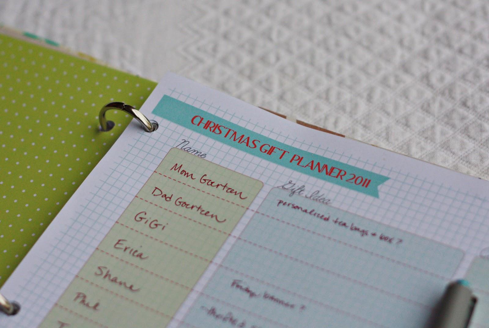 amy j  delightful blog  printable christmas gift planner page